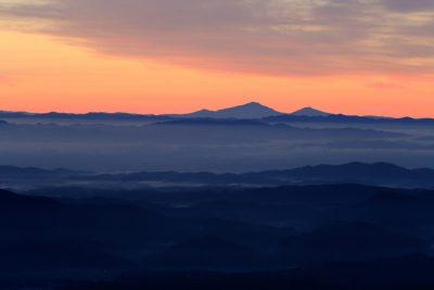 鳥海山から奥羽山脈